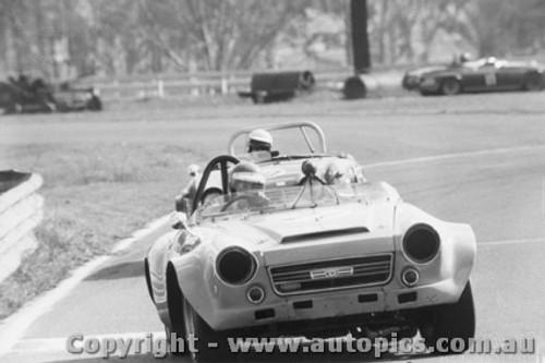 73430 - Jeff Morrow Datsun 2000  - Warwick Farm 15th July  1973