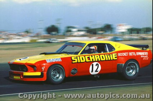 76045 - Jim  Richards  Ford Mustang  - Calder 1976