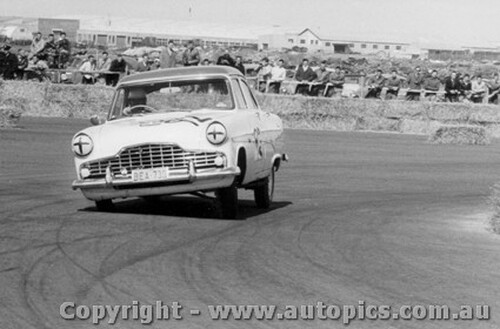58013 -  J. Hodson Ford Zephyr -  Fishermen s Bend 19th October 1958 - Photographer Peter D Abbs