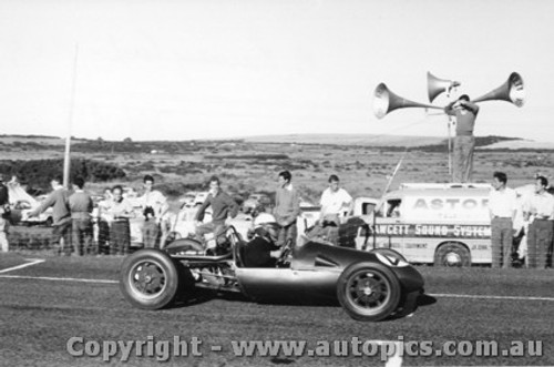 58537 - M. Rainey Cooper MK 9 - Phillip Island  26th December  1958 - Photographer Peter D Abbs