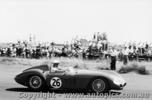 59410 -  Doug Whiteford  Maserati 300S -  Fishermen s Bend - 21st February 1959 - Photographer Peter D Abbs