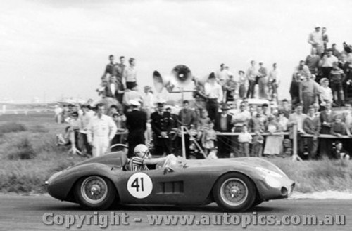 59413 -  R. Jane  Maserati 300S -  Fishermen s Bend - 10th October 1959 - Photographer Peter D Abbs