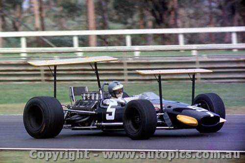 69552 - Piers Courage - Brabham BT24 - Tasman Series - Warwick Farm 19th February 1969 - Photographer Lance Ruting