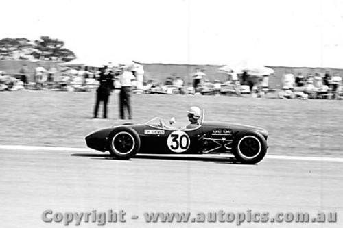 65538 - T. Schenken Lotus 18 Ford  -  Sandown 26th September 1965 - Photographer Peter D Abbs