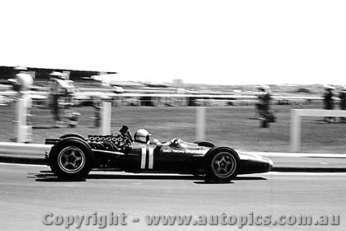 68569 - Pedro Rodriguez -  BRM V12 - Sandown Tasman Series 1968 - Photographer Peter D Abbs