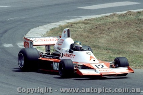 79625 - L. Perkins - Elfin MR8 Chev - Oran Park 25th Feb. 1979 - Photographer Richard Austin