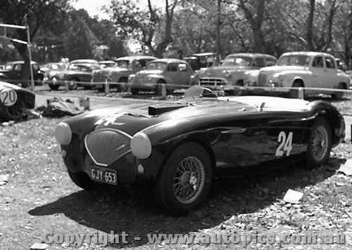 57420 - C. Miller- Austin Healey 100-4 - Albert Park 1957 - Photographer Peter D Abbs