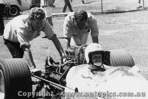 68579 -  Frank Gardner Brabham Alfa V8 - Warwick Farm Tasman Series 1968 - PhotographerLance J Ruting