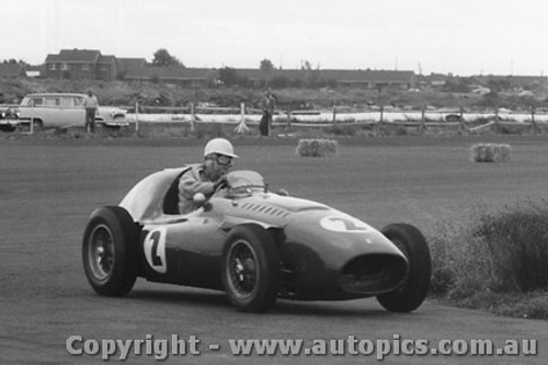 58114 - A. Glass - Ferrari - Fishermen s Bend - 22nd February 1958 - Photographer Peter D Abbs