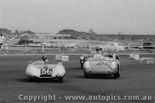 59416 - #56 - B. Devlin - Lotus - #43 - A. Williams - Porsche - #51 - J. Cleary - Austin Healey - Fishermen s Bend - 10th October 1959 - Photographer Peter D Abbs