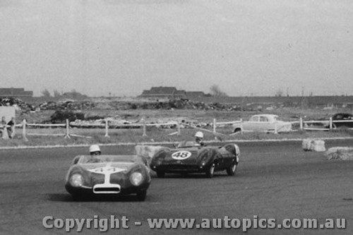 59417 - #44 - D. Swanton - Lotus X1 - #48 - J. Ampt - Decca Special - Fishermen s Bend - 10th October 1959 - Photographer Peter D Abbs
