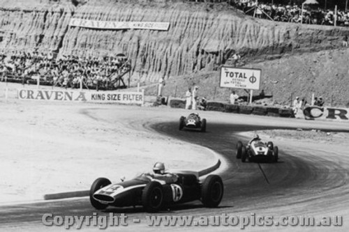 61517 - Jack Brabham - Salvadori - Stillwell - Cooper Climax - Hume Weir - 13th March 1961 - Photographer Peter D Abbs