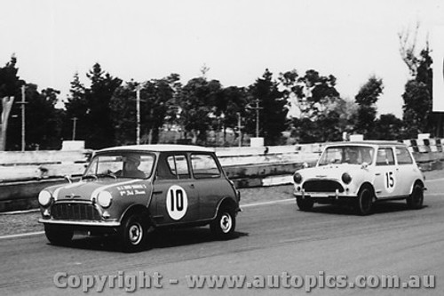 63019 -  R. Brown / D. Thurston - Morris 850 - Sandown 1963 - Photographer Peter D Abbs