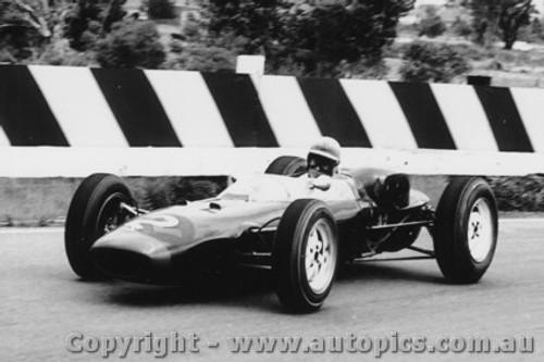 63548 - T. Maggs - Lola - Sandown International -  11th  March 1963 - Photographer Peter D Abbs