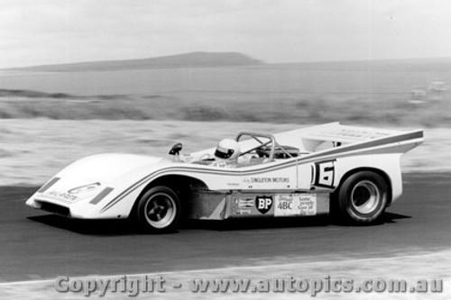 76418 - B. Singleton - McLaren MP - Phillip Island 21st November 1976 - Photographer Peter D Abbs