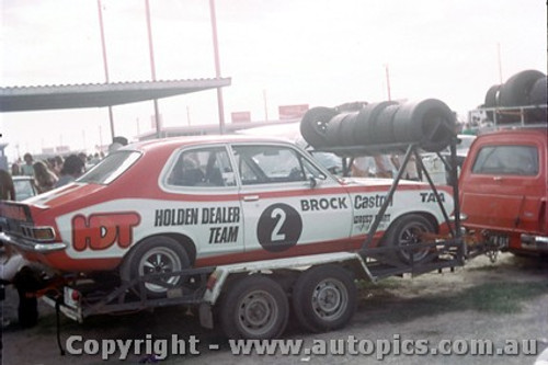 72102a - Peter Brock Holden Torana XU1 - Adelaide International Raceway 1972 - Photographer Peter Green