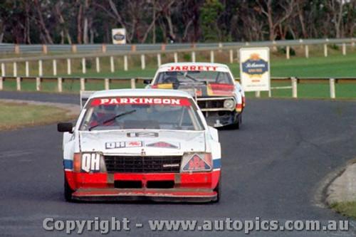 81035 - T Parkinson - Holden Commodore - David Jarrett Camaro - Sandown 1981 - Photographer Peter D Abbs