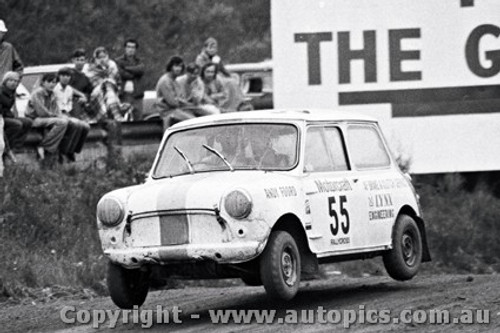 72967 - Andy Foord - Mini - Catalina Rallycross 27th February 1972 - Catalina Park Katoomba - Photographer Lance J Ruting