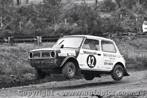 72968 - Garry Byrne - Mini - Catalina Rallycross 27th February 1972 - Catalina Park Katoomba - Photographer Lance J Ruting