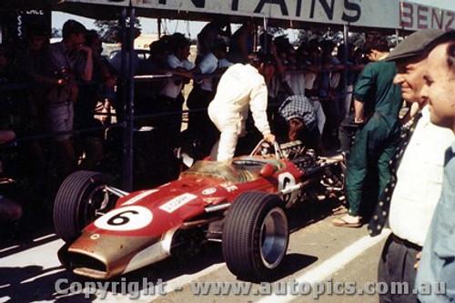 68590 - Jim Clark - Lotus - Tasman Series - Warwick Farm - 1968 - Photographer - Brian Tobin