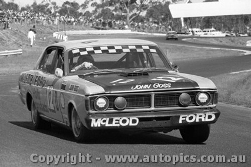 72255 - John Goss  Ford Falcon GTHO Phase 3 - Sandown 1972  - Photographer Peter D Abbs