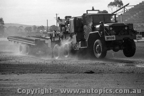72977 - The Army have arrived. - Calder Rallycross 1972 - Photographer Peter D Abbs