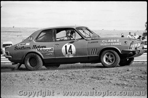 72978 - Peter Janson Holden Torana XU1 - Calder Rallycross 1972 - Photographer Peter D Abbs