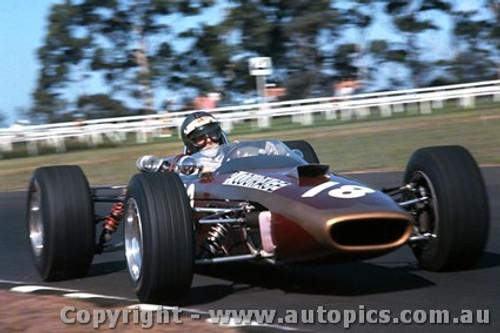 68597 - Piers  Courage  - McLaren M4A -   Warwick Farm Tasman Series 1968 - Photographer Lance Ruting