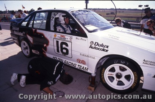 90019  -  Win Percy  -  Sandown 1991 -  Holden Commodore VL - Photographer Darren House
