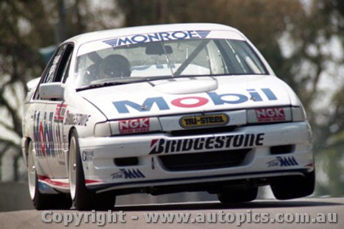 91762  -  P. Brock / A. Miedecke  - Holden Commodore VN  Bathurst 1991 - Photographer Ray Simpson