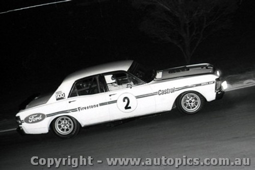 72259 - Ian  Pete  Geoghegan Super Falcon  Oran Park Night Meeting 1972 - Photographer David Blanch