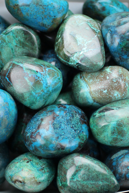 Chrysocolla Soothes, calms, balances, aids in allowing change into your life, gratitude, honesty, joy, trust