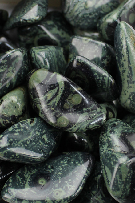 Kambaba Jasper   Fertility, creativity, kundalini rise,  strengthens the roots of your being, dissolution of old enmeshed programing