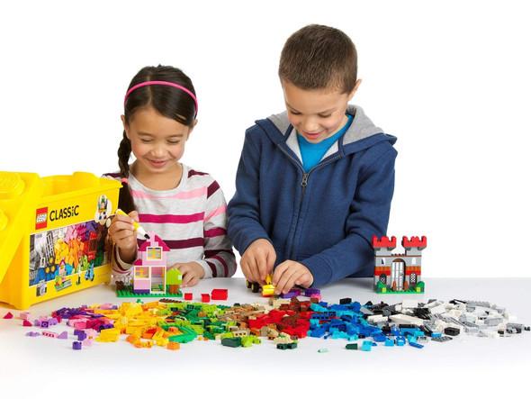 lego-10698-classic-large-creative-brick-box-snatcher-online-shopping-south-africa-28572232876191.jpg