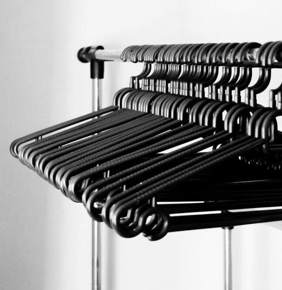 plastic-clothes-hangers-snatcher-online-shopping-south-africa-28035405676703.jpg