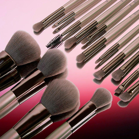 15 Piece Brush Set with Cosmetic Bag