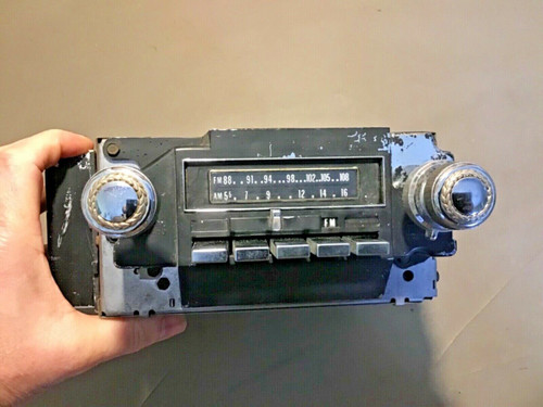 1974 1975 Cadillac AM / FM 8 track Radio Pt # 9344336 / 56CFMT3 used original 1973