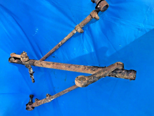 1949 Cadillac Center Drag Link Steering Tie Rod Ends Used original