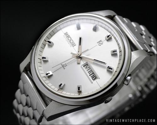 Ricoh vintage watch