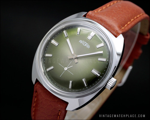 N.O.S. mechanical vintage watch Radar brand green dial new old stock