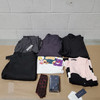 22 Units of Clothing & Accessories - MSRP 3558$ - Returns (Lot # 582033)
