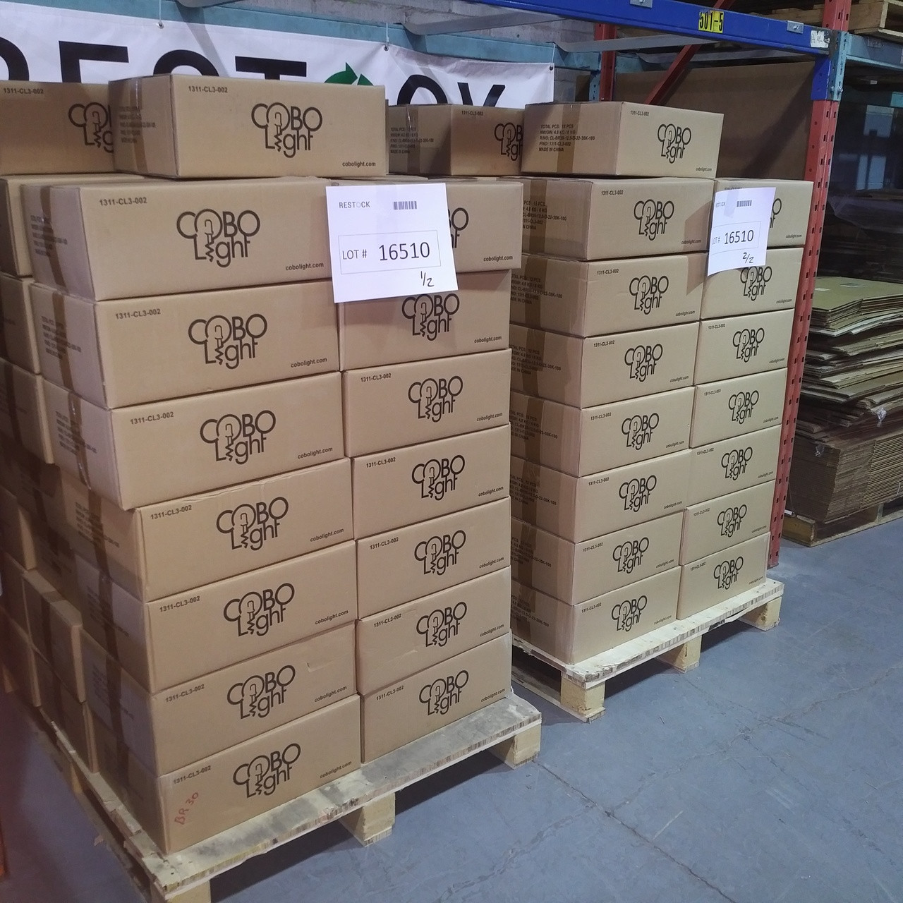 2 Pallets of 1080 Units of LED Lights BR30 12 5W (Replace 75W) - MSRP  16189$ - Brand New
