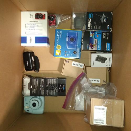 12 Units of Digital Cameras - MSRP 2469$ - Returns (Lot # 555209)