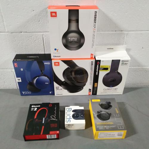 32 Units of Headphones - MSRP 4086$ - Returns (Lot # 564356)