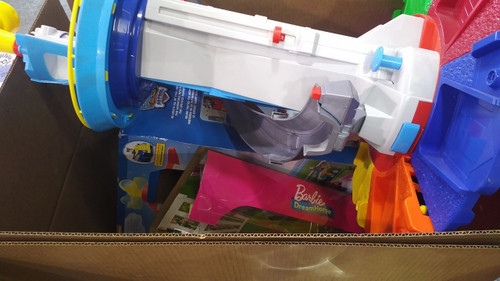CLEARANCE : 1 Pallet #14705 - 68 units of Toys - MSRP 1585$ - Returns