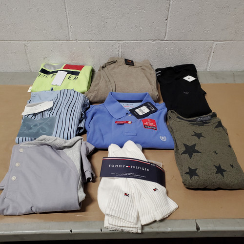 40 Units of Clothing & Accessories - MSRP 3558$ - Returns (Lot # 582025)