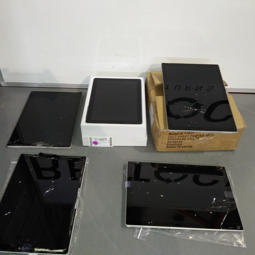 5 Units of Microsoft Surface Tablets - MSRP 3804$ - Salvage