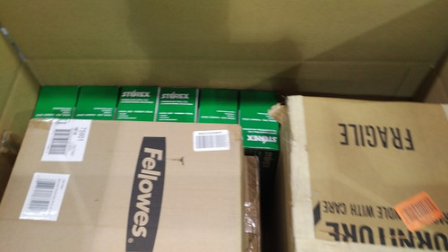 CLEARANCE: 1 Pallet #14303 - 30 units of Office Products from Amazon Canada  - MSRP 628$ - Returns