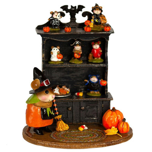 M-674a Collector's Halloween Curio (full)