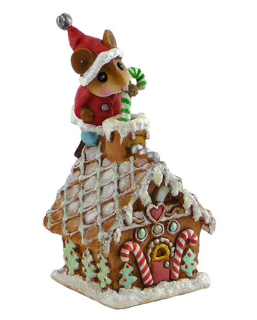 TM-4 Wee Santa's Gingerbread House